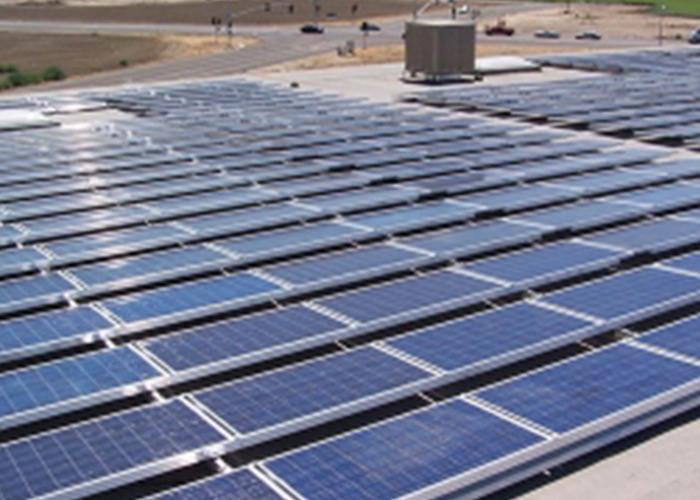 太阳能光伏发电绿色新能源值得推广